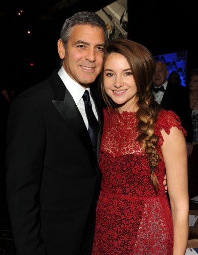 """Shailene Woodley e George Clooney foram co-estrelas no filme """"Os Descendentes"""", de 2011. (Foto: Getty)"""