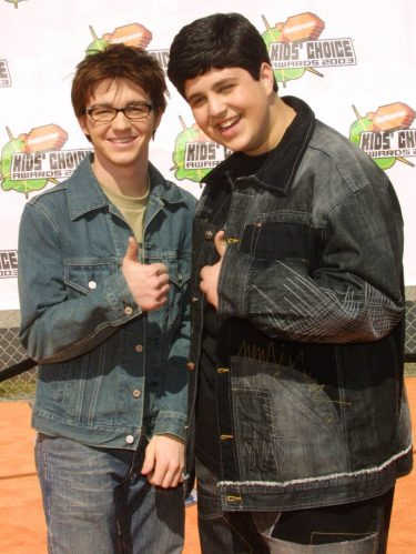 """Drake Bell e seu colega de elenco, Josh Peck, na série """"Drake e Josh"""" (Foto: Getty Images)"""