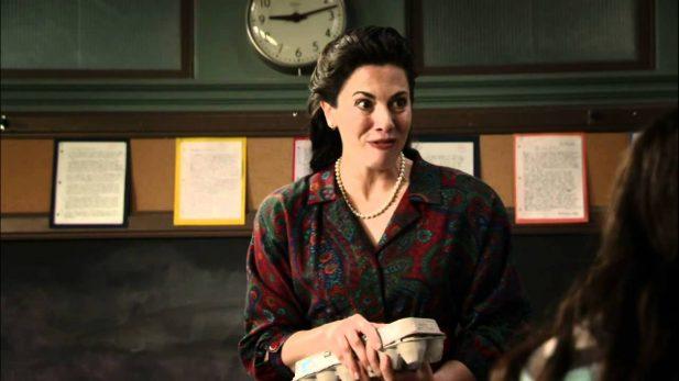 """Senhorita Morello, em """"Todo Mundo Odeia o Chris"""". (Foto: Reprodução/CW)"""