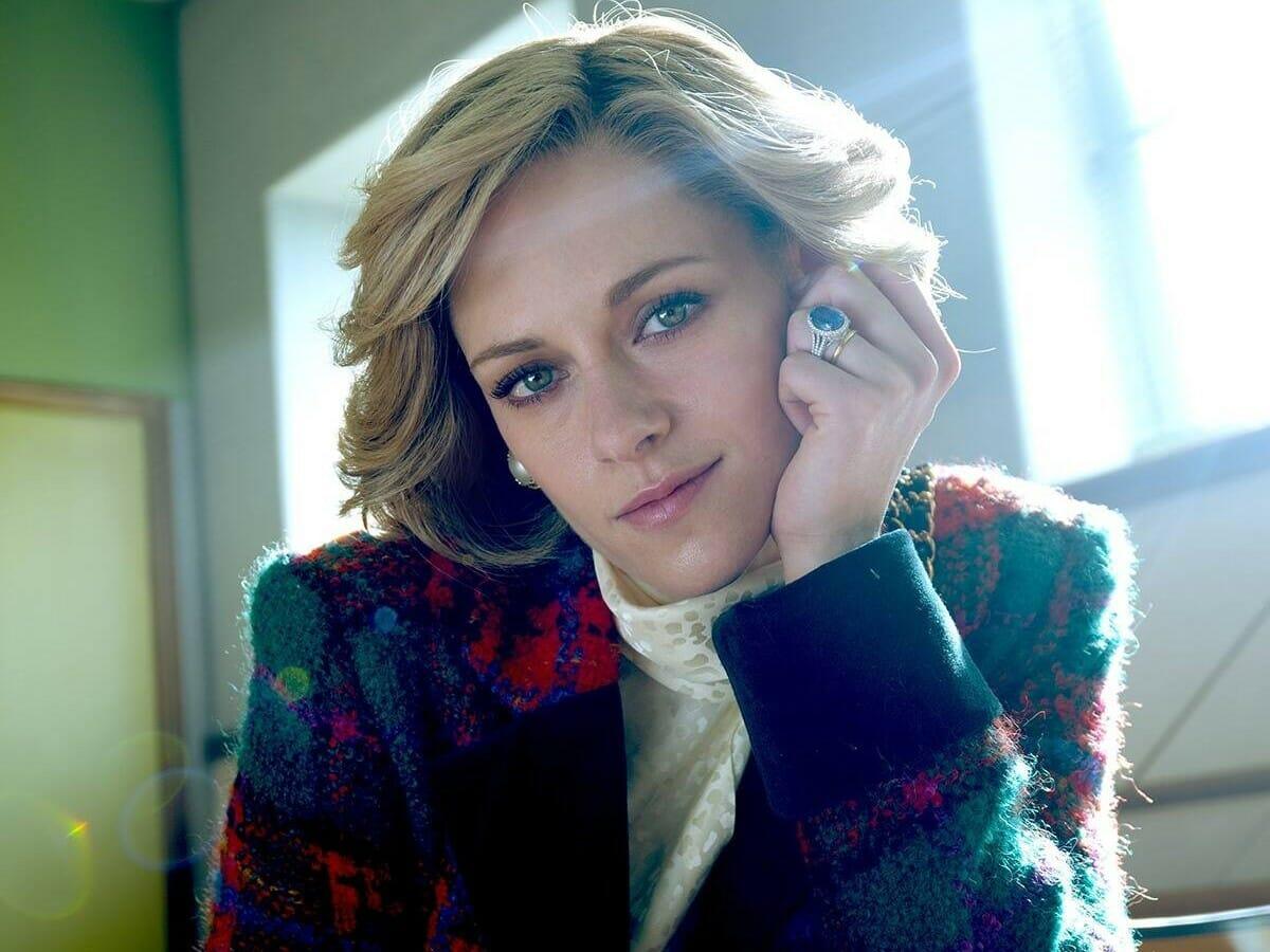 Kristen Stewart caracterizada como Lady Di. (Foto: Divulgação)