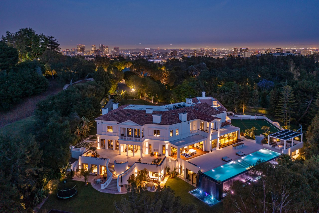 The Weeknd Home 02