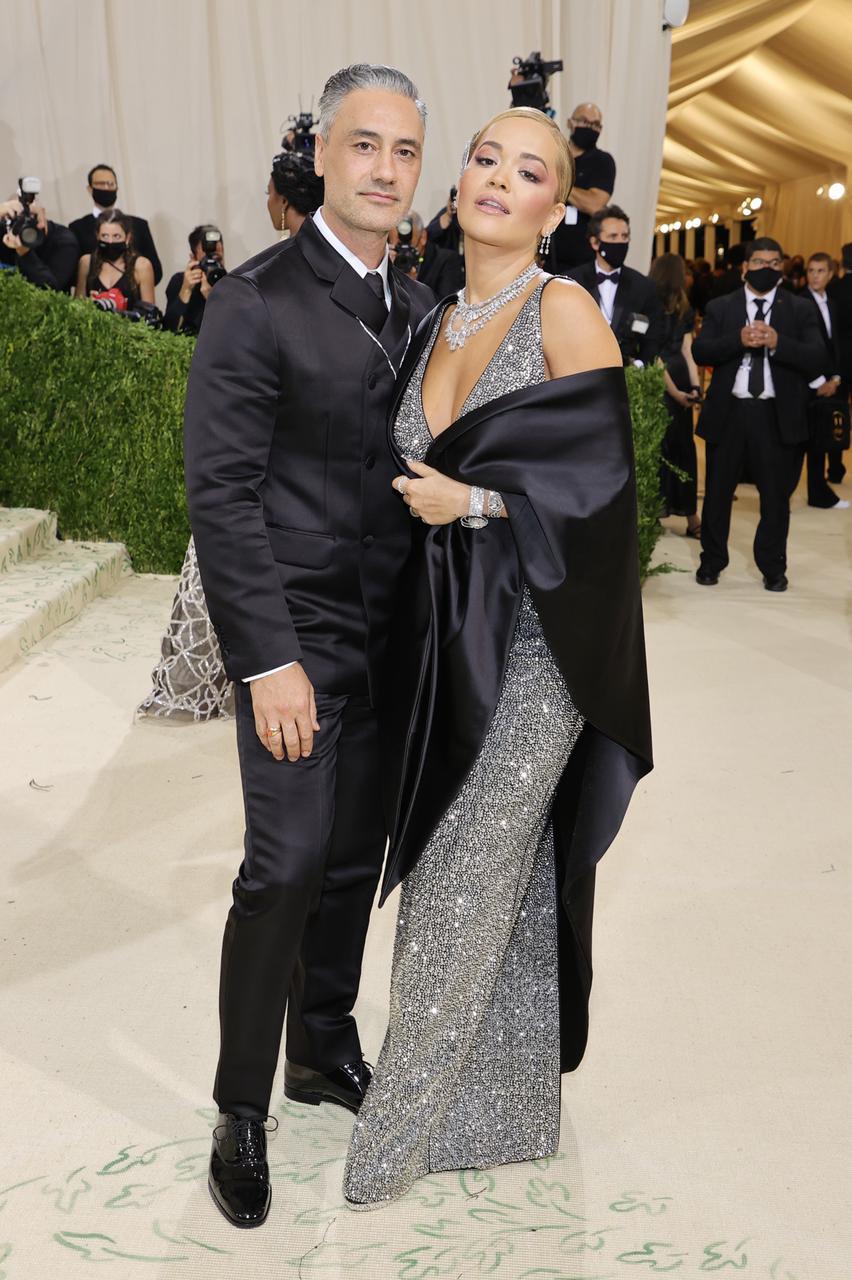 Rita Ora e Taika Waititi (Foto: Getty)